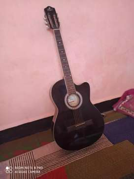 Black  guitar  only 35 days use new