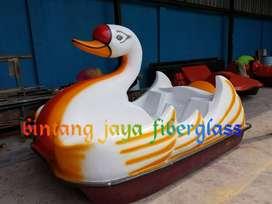 bebek sepeda air fiber, wahana air perahu bebek
