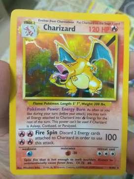 Charizard 04/102 Base set 1999(near mint condition Pokémon card)