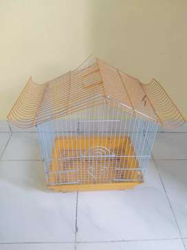 Cage for 4 to 6 birds