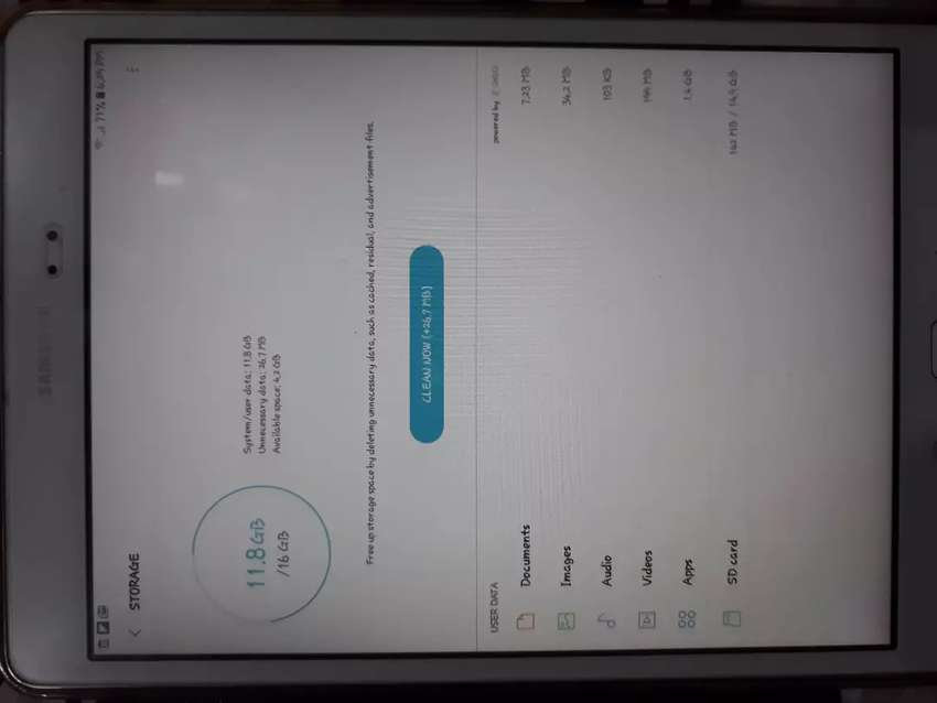 Tablet A Big screen with 10 inch LCD and 2GB Ram 0