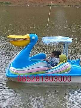 sepeda air burung pelikan,wahana air murah,jual bebek air fiberglass