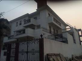 765 SQ Yards Residential Villa Plot in Sector 40 Gurgaon with 4 floors