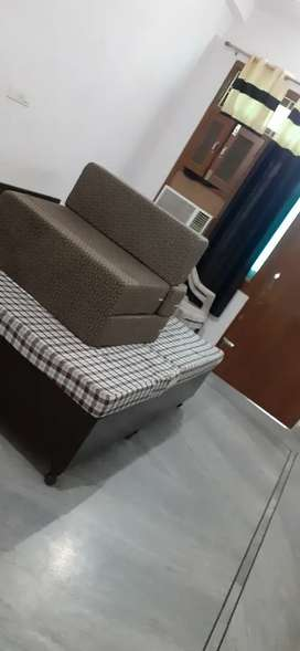 Independent studio furnished Flat available in siddhartha nagar