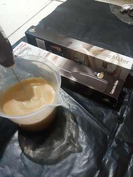 Hand mixer pengaduk dalgona.