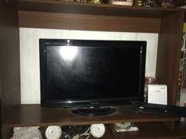 Seken TV LCD Panasonic Viera 32 inch Mulus