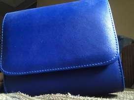 Sling bag square