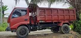 B.u  dumo truk dyna 130 ht