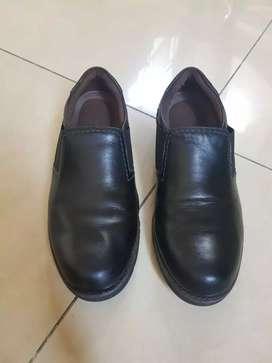Sepatu kerja pria cowok pantofel hitam Cardinal uk. 42