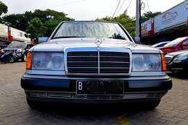 Mercedes benz 300 E manual