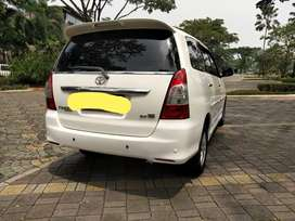 Innova v luxury diesel at 2012 (top condition)