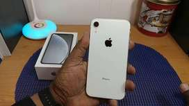 iPhone xr 64gb 4.5 months old