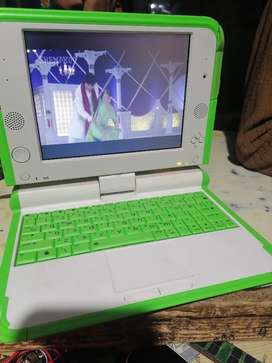 Android laptop imported in dubai 1Gb ram 8Gb rom