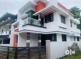 4 bhk 2200 sqft new build house at aluva town just 1 km