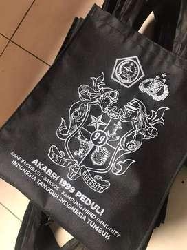Goodie bag dan souvenir