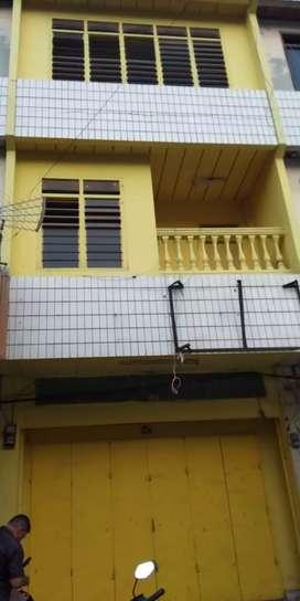 Ruko 3 lantai disewakan tahunan (Dekat BCA KCU Bandar Lampung) Nego