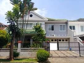 Dijual Rumah Strategis di Puspita Loka BSD