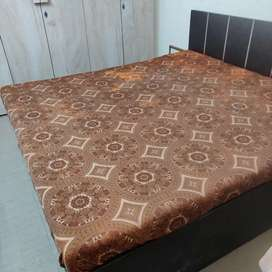 King size bed, dressing table, queen size bed, 5 door wardrobe