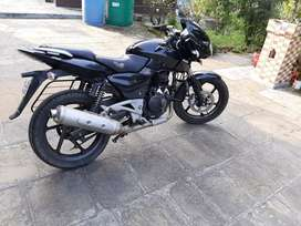 Bajaj pulser 180 with silencer of 220 and VIP number .HP20(UNA)