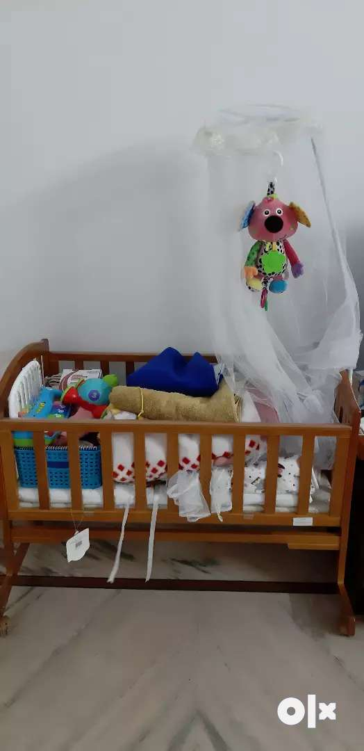 Brand new Baby crib by babyhug for up to 1 year old baby 0