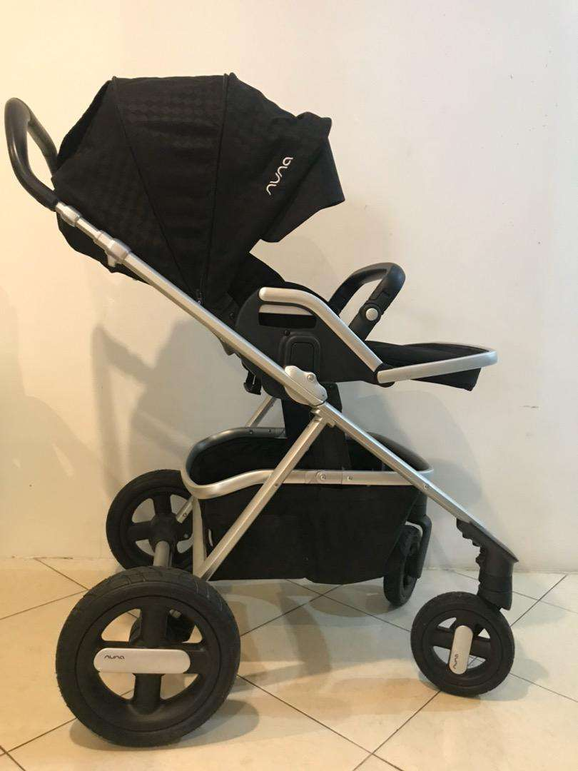 Stroller Nuna Ivvy / good condition LIKE NEW + carrycot for NB 0