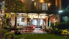 Rumah Cantik dengan halaman luas dijual cepat di Virginia Lagoon BSD