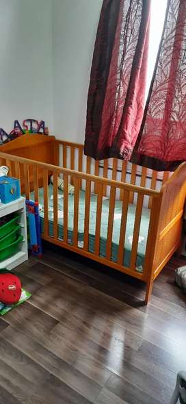 Mothercare Crib with Sleepwell matress