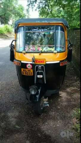 Bajaj petrol engine auto 2007 last model. All paper clear.