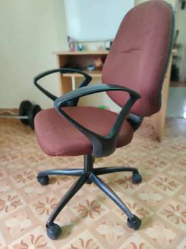 Office Chairs (10 Nos)