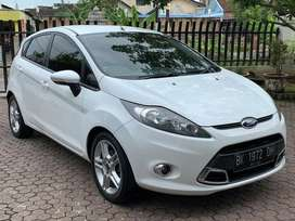 mobil Ford Fiesta S 1.6 2011