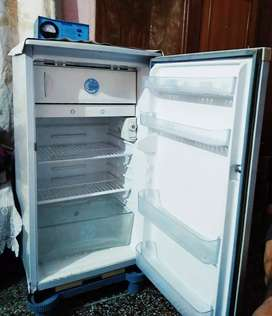 LG Refrigerator in excellent working condition