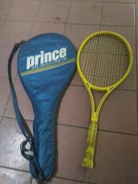 Raket Tenis Beli 1 Gratis 1