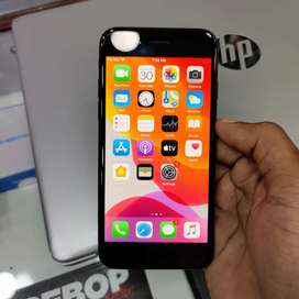 Sky mobiles iphone 7 mobile 128gb ROM memory neet condition