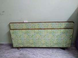 5x6 cot,take wood bed for sale