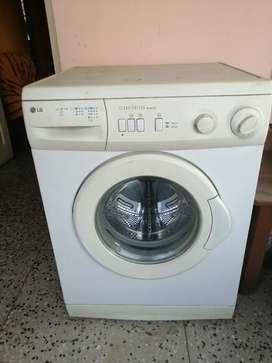 **Old Washing Machine** LG CLEAN MASTER WD-8007CI