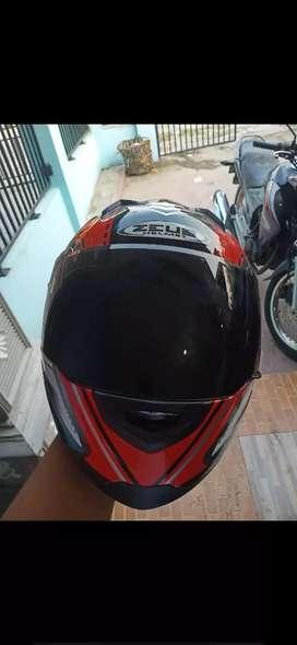 Helm Zeus 811..