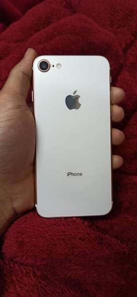 Iphone 7 128!gb rose gold in amazing condition
