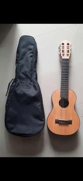 Guitalele gitarlele yamaha GL1