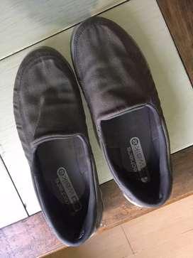 Dijual sepatu skechers