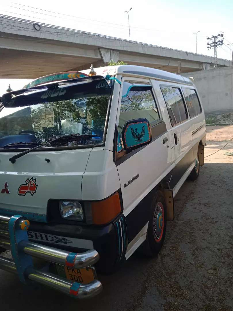 Mitsubishi van good condition 0