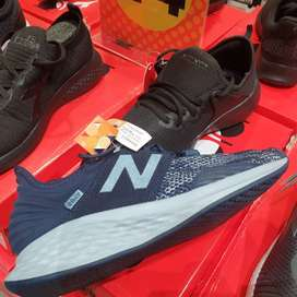 Sepatu New Balance Fresh Foam Roav City Grit Mens MROAVRN