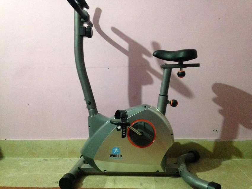 Exercise ( stationary) Bike ( World Fitness ) MBK-7050 0