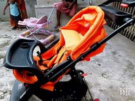 Baby stroller cum pram