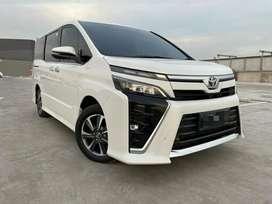Dijual Toyota Voxy 2018 / serena / alphard / Vellfire