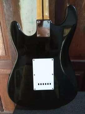 Jual cepat gitar listrik dan sound amplication