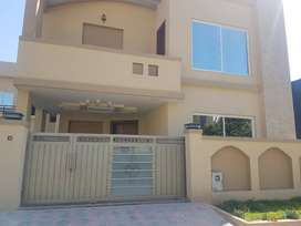 1 kanal lush home for rent