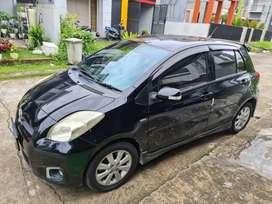Toyota Yaris S Hitam 2013