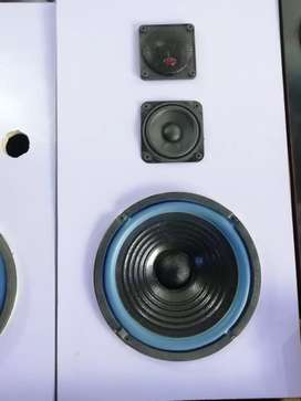 8 inch speakers with box with tweetars