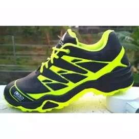 Sepatu Merk Adidas Uk.43