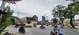 Disewakan Rumah Lokasi Strategis Perempatan Usaha Banjarsari Solo
